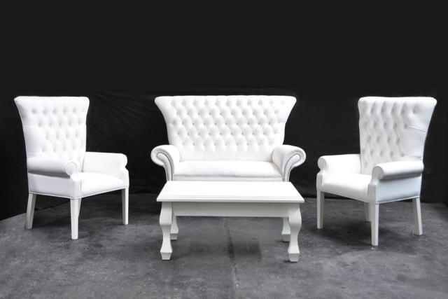 Sillones de estilo sillones con capitone for Sillones antiguos